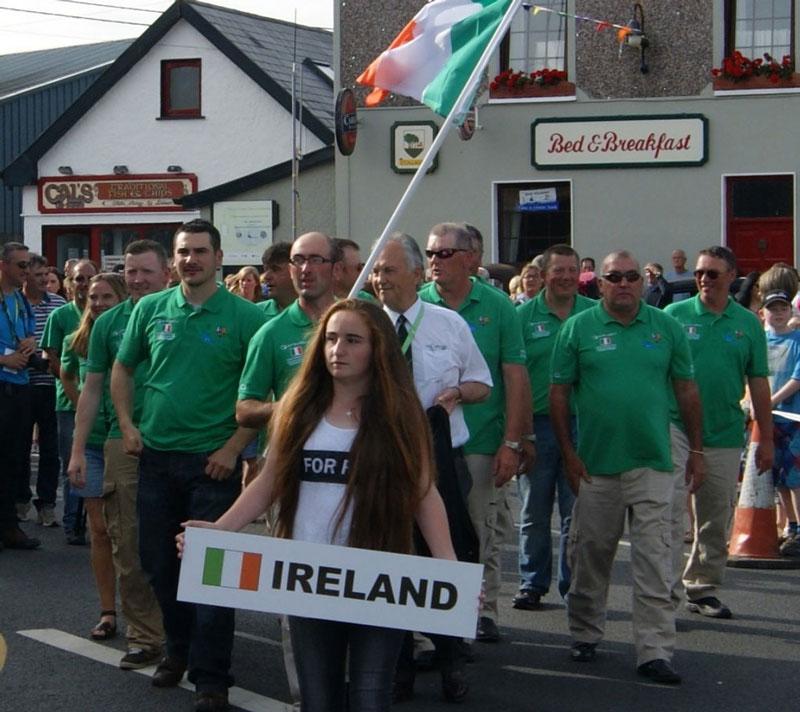 Сборная Ирландии на торжественном шествии