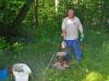 После первого тура соревнований Илья Калачев готовит фирменную уху к торжественному ужину