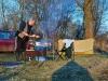 Андрей готовит шашлычок под коньячок :)