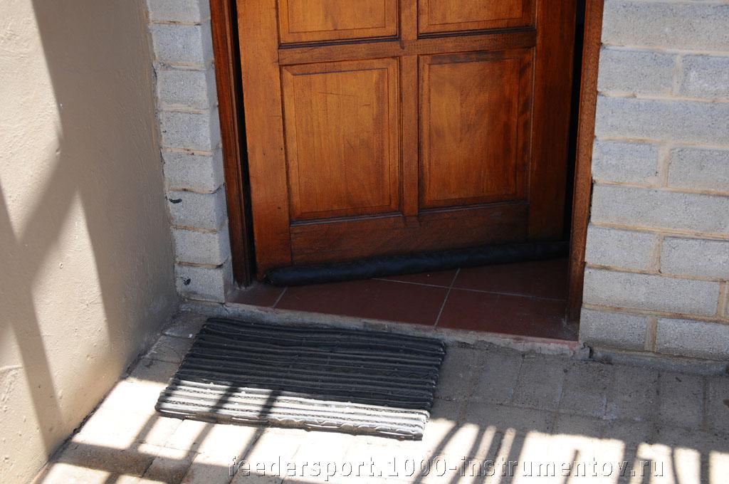 Дверь в шале, на ЧМ в ЮАР 2013