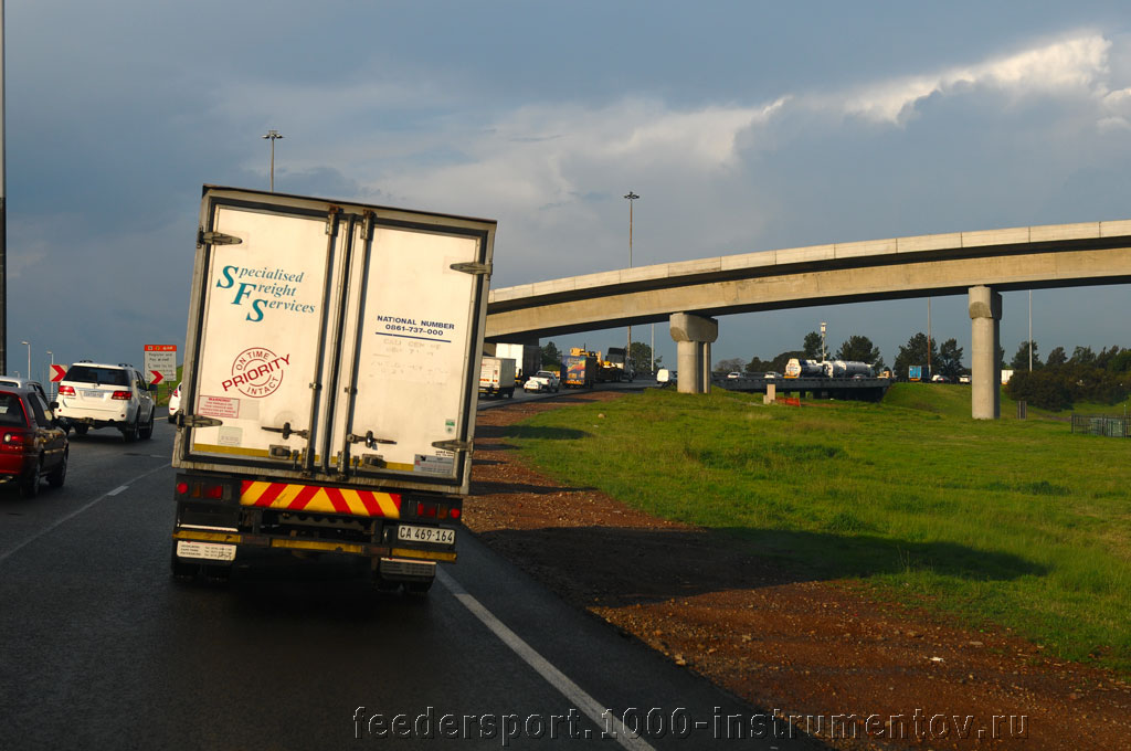 По дороге в аэропорт OR TAMBO в ЮАР 2013